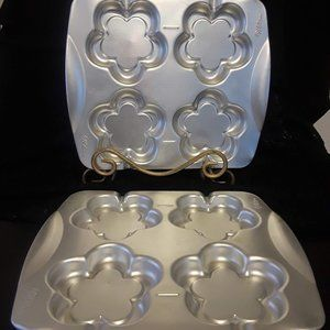 Two 1990's Wilton Flower lollipop Cake Pans
